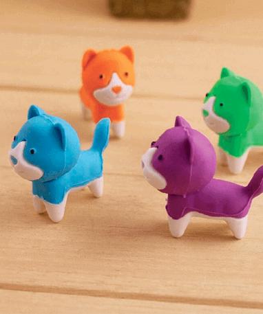 4 Farverige Hunde viskelæder