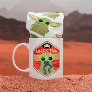 Baby Yoda krus & sokker - The Mandalorian